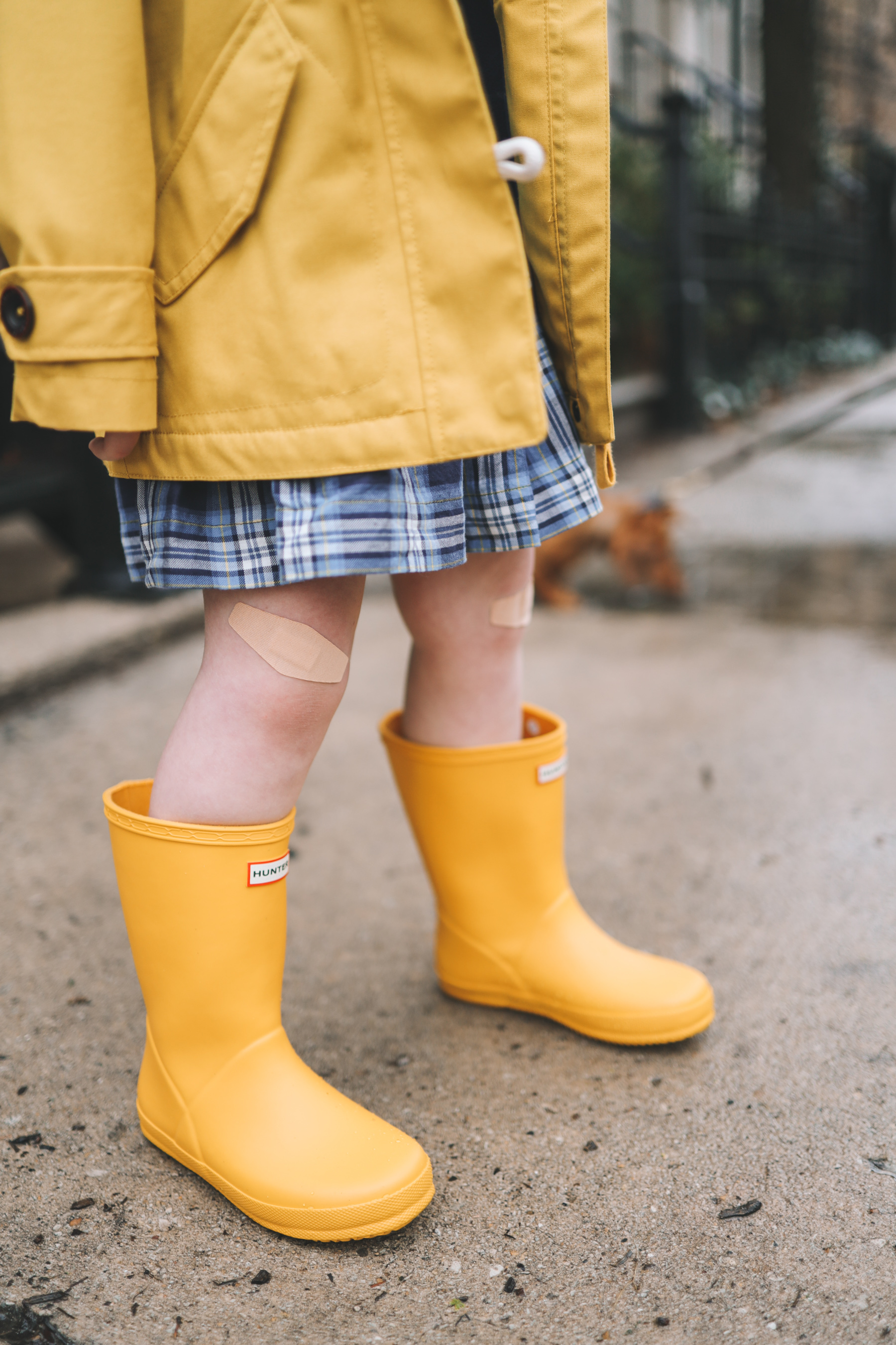 little kids yellow rain boots | Rory Gilmore Rainy Day Outfits