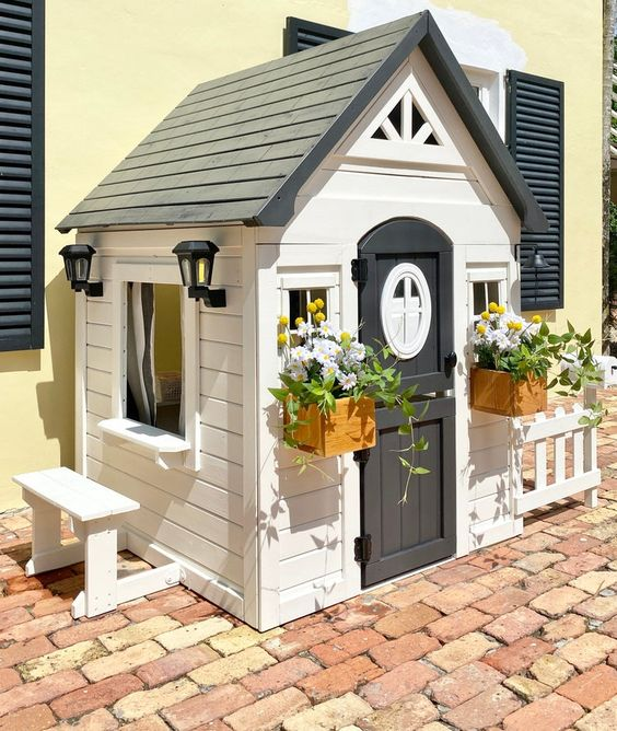 Playhouse Inspiration + Plans for kids