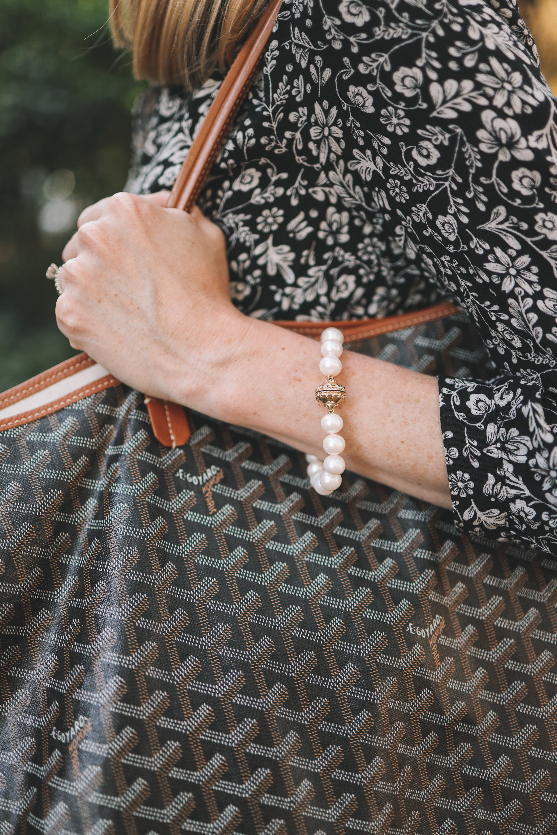 Clara Williams Magnetic Pearl Bracelet
