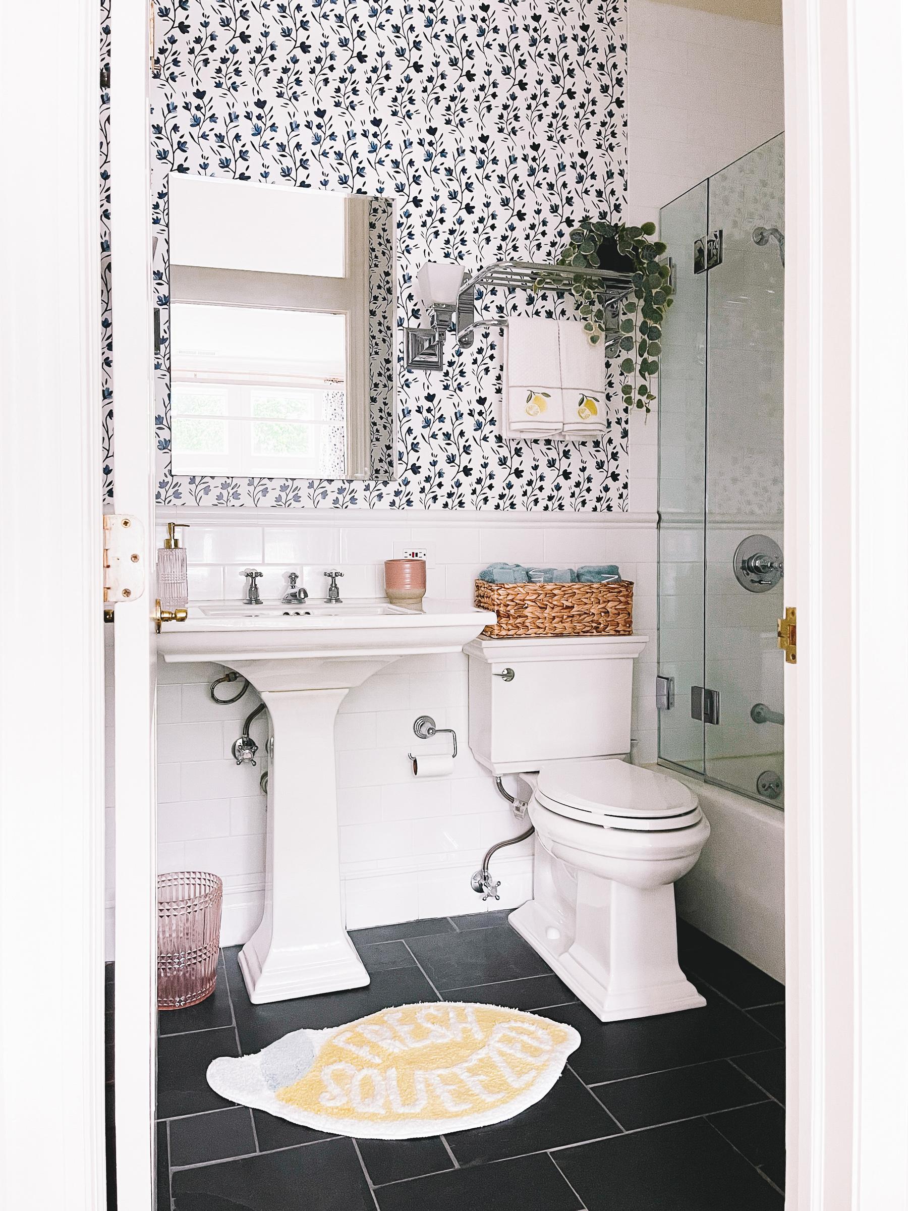 Lucys Lemon Bathroom