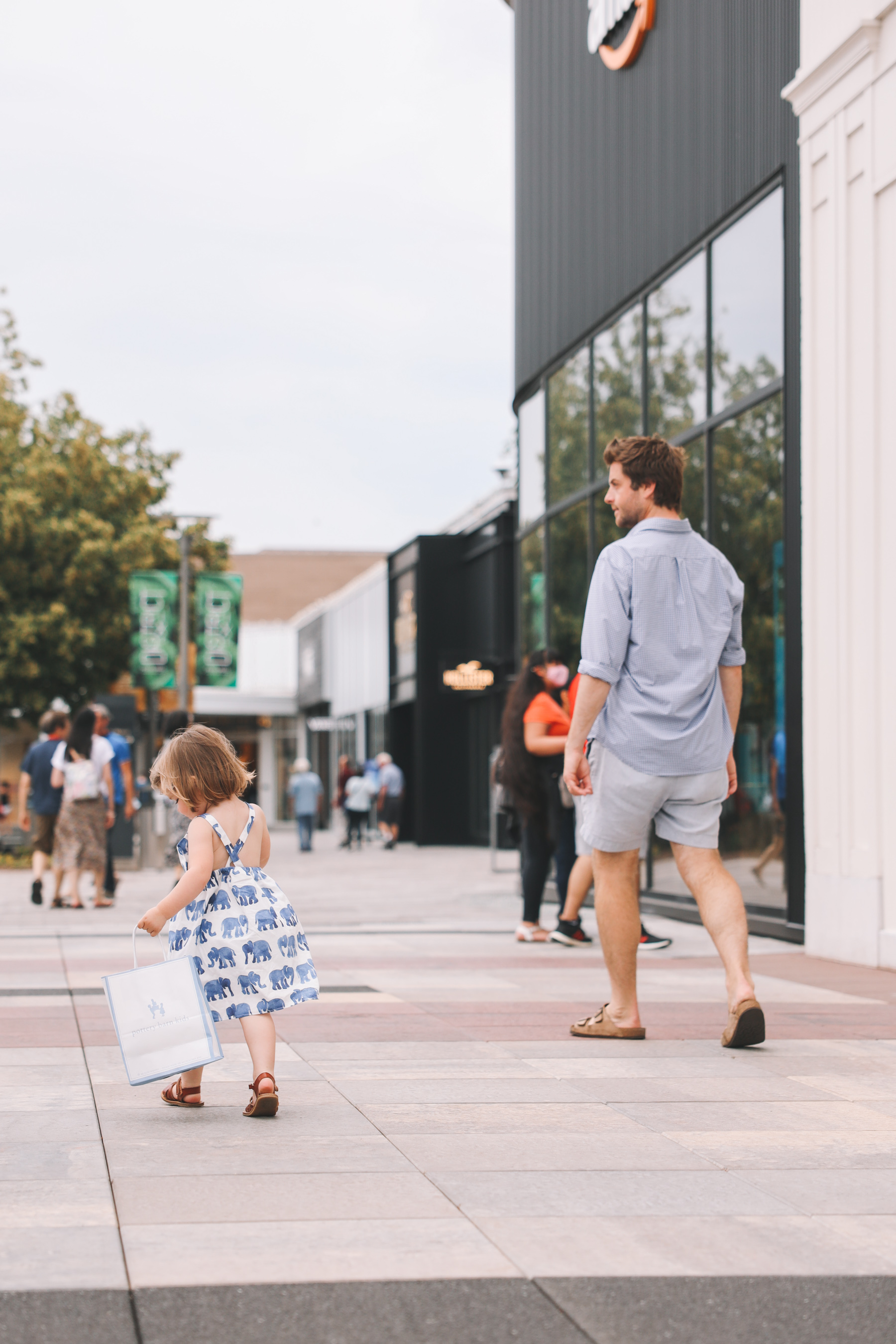 Oakbrook Center outdoor shopping experience