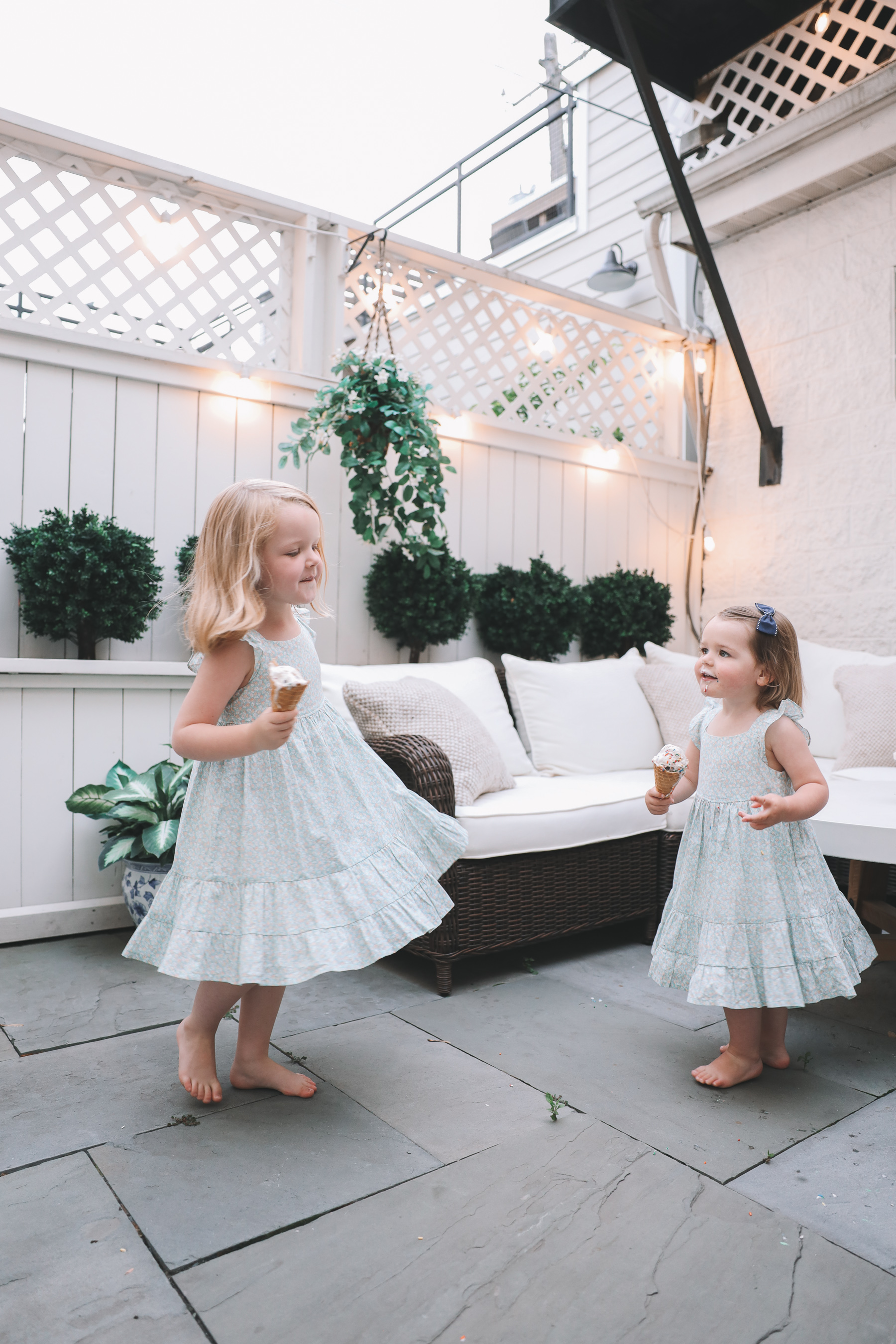 kids eating summer treats